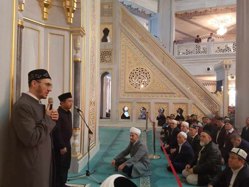 Guests from Indonesia and Syria visit Moscow Cathedral Mosque
